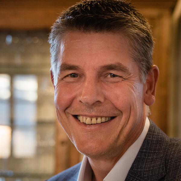 Dr. Ulrich Schlippert, Facharztpraxis für Orthopädie AM THEATER Braunschweig Steinweg 26